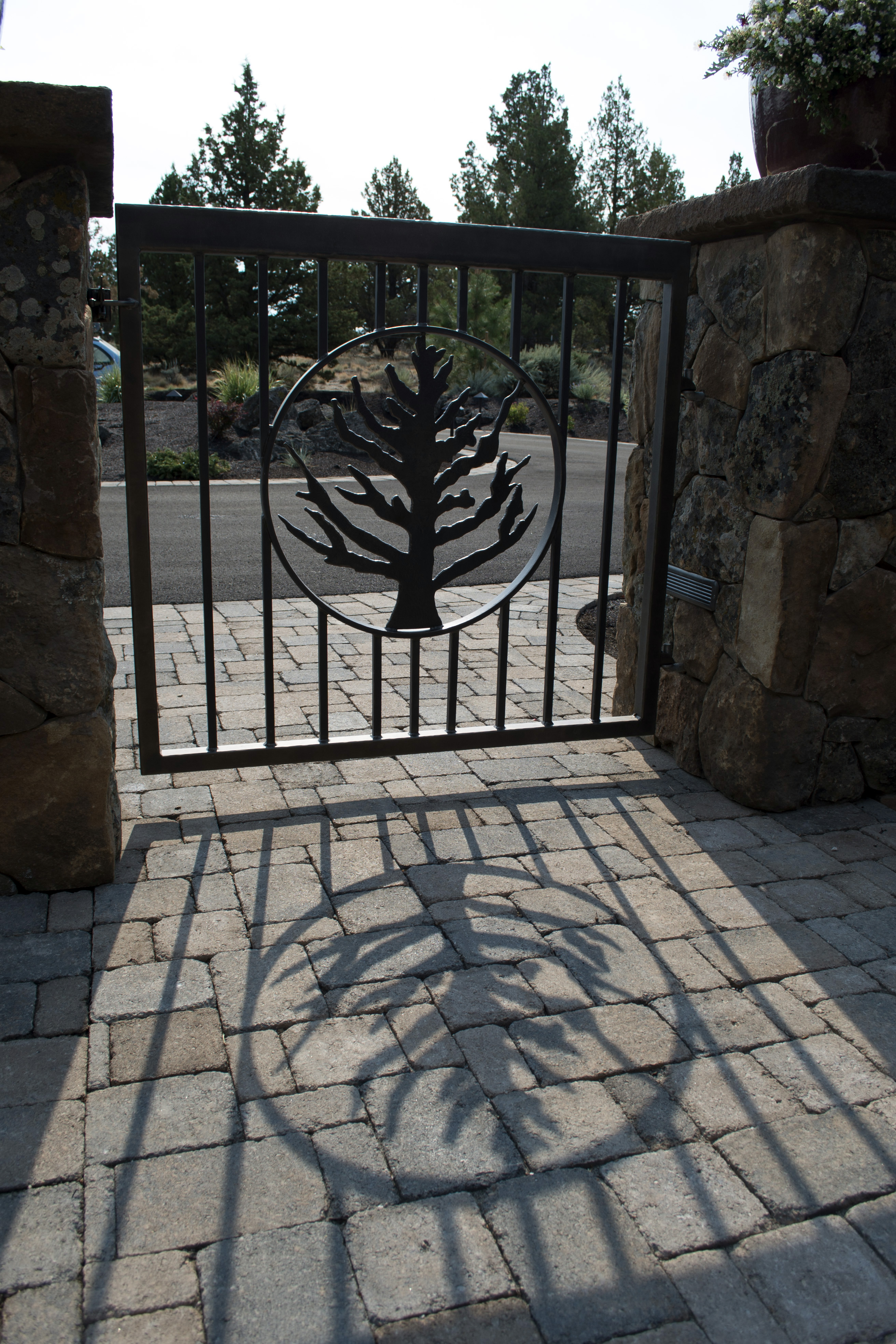 G2 Tree Entry Gate