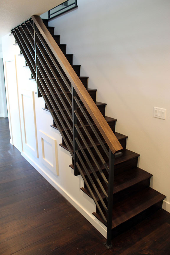 I24 Contemporary Stair Rail with Wood Top