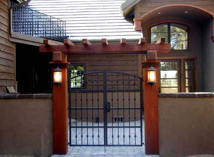 G12 Courtyard Gate