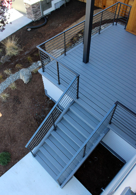 E20 Horizontal Design Deck Railings